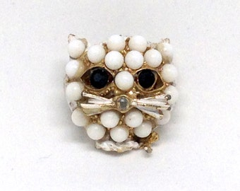 Gorgeous Vintage Cat Head Face Lucite Pearl Figural Animal Brooch