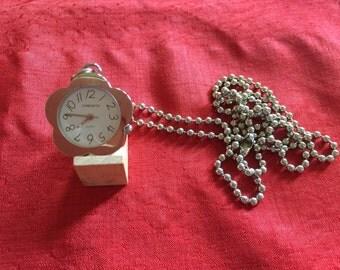 Flower shaped pendant watch