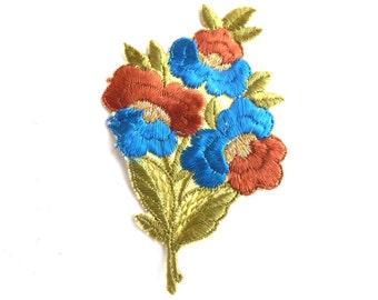 1930s Flower applique, Vintage embroidered applique. Vintage floral patch, sewing supply. #649GC8K1