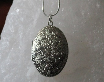 Sterling Silver Floral Photo Locket