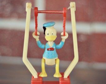 Donald Duck tricky trapeze figure 1975, 1970's toys, Walt Disney figure, Gabriel toys, Mickey Mouse, Donald trapeze