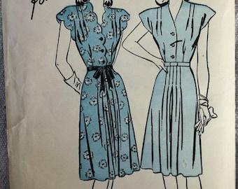 1940's Original Vintage Dress Sewing Pattern, Advance 4227