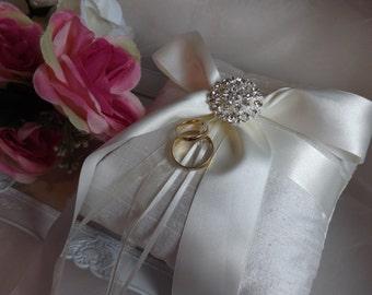 Wedding Ring Pillow, Silk Ring Pillow, Ivory Silk Ring Pillow, Ring Pillow, Ring Bearer Pillow, Silk Ring Cushion