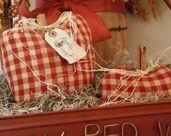 primitive fall red checked apple pillow tucks, apple bowl fillers, farmhouse apples , primitive fall apple decor, OFG, FAAP,Autumn decor