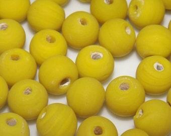 20 ceramic beads, round, yellow, 8mm