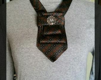 Green pendant necklace, unique necklace, necktie necklace, women's tie, tie necklace, womens gift, upcycled silk tie, silk bib necklace, tie
