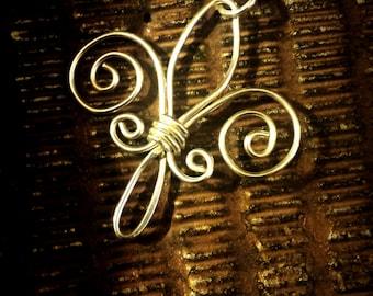 Fluer De Lis pendant in sterling silver