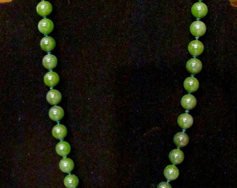 "Timeless 14K 585 & Spinach Green Nephrite JADE 20"" Necklace 10mm Beads Knotted Vintage Women's Fine Jewelry"