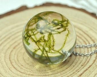 Real Moss Pendant, Terrarium Necklace, Botanical Jewelry, Terrarium Sphere Pendant, Eco Resin Jewelry, Forest Jewelry, Nature Lover Pendant