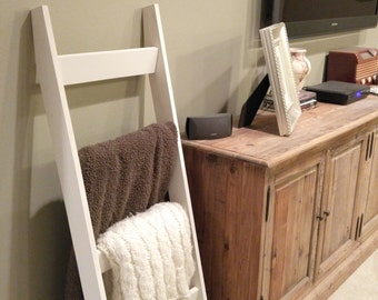 Wood Quilt Ladder with 4 rungs, Quilt Storage and Display