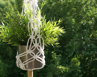 White macrame hanging basket for indoor and outdoor use / macrame Planthanger