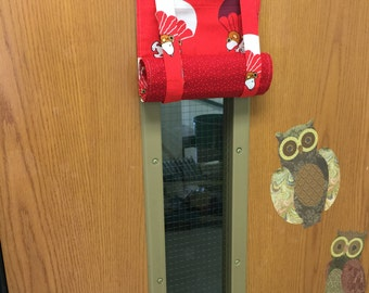 ROMAN SHADE/CURTAIN for Teacher Classroom Door - Privacy/Safety/Lockdown - Snoopy Parachutes