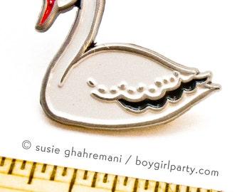 SWAN PIN, swan brooch, swan jewelry, girlfriend gift, white swan, lapel pin, enamel pin bird, bird pin, black and white jewelry, collar pin