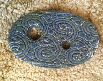 Beautiful handmade Ceramic Diz-Textured Blue-Spinning Tools-2 holes-Prep fiber for spinning on Wheel or Drop Spindle tool
