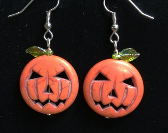 Jack-o-lantern pumpkin earrings on Hypoallergenic Surgical Steel hooks. Clip-ons available. Jack o lantern pumpkin earrings for halloween