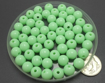 100 Mint Green Acrylic Beads 8MM round (H2131)