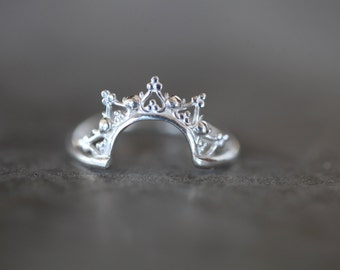 La Dentelle Arch ring. silver band. wedding ring. engagement band. Arc ring.