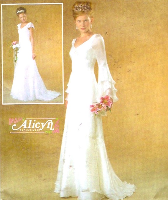 Romantic Wedding Dress Alicyn Plus Size Brides Gown Sewing Pattern McCalls 43