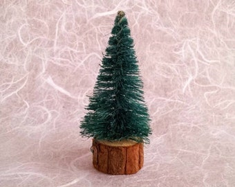 Vintage Bottle Brush Christmas Tree, Miniature 2-1/2 Inch Artificial Evergreen Tree with Natural Rustic Wood Base, Vintage Christmas Tree