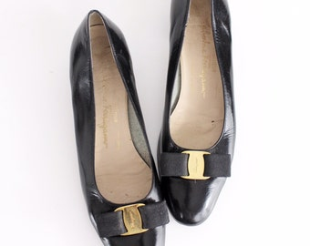 size 9.5 AAA | Salvatore Ferragamo Patent Leather Shoes | Black Patent Leather Vara Pumps | Grosgrain Bow Flats | 41