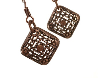 Filigree dangle earring, square cushion shape