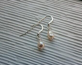 pearl earrings, sterling silver and pearl earrings, simple pearl earrings, bridal earrings, wedding earrings, bridesmaids gift, elegant
