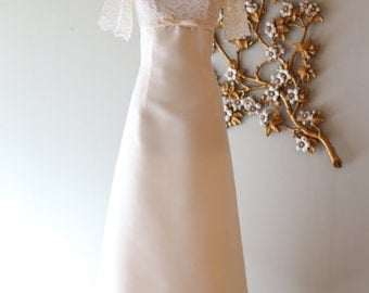 Vintage 1960's Illusion Lace Wedding Dress ~ Vintage 60s Ivory Empire Waist Wedding Gown Waist 29
