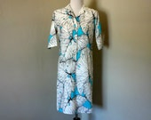 1970s Shirt Dress, Vintage Size 9-10 Lady Bayard Turquoise Short Sleeved Button Front Dress with Giant White and Black Caladium Leaf Pattern