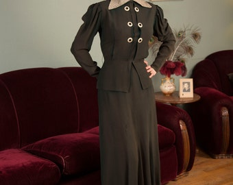 Vintage 1930s Dress - Incredible Deep Evergreen Patterned Rayon 30s Dress with Floral Lamé Collar, Peplum and Gigot Sleeves