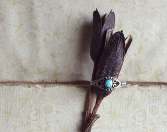 Vintage Sterling Silver Turquoise Stone Ring. Southwestern, Bohemian, Filigree, Artisan Crafted.