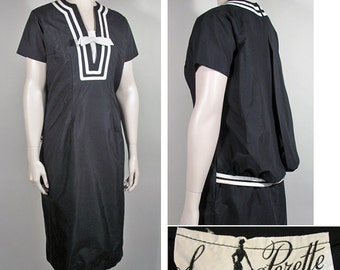 1950s Vintage Black and White Sack Dress by Suzy Perette SZ M