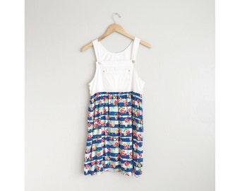 Size S // FLORAL OVERALL JUMPER // White Denim - Mini Dress - Vintage '90s.