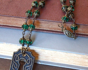 Emerald Green Keyhole Necklace