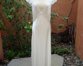 Vintage White Satiny Peignoir Nightgown with Silvery White Stretch Lace Size L