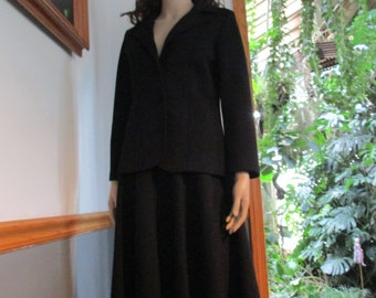 Women's Black Blazer & Skirt  Thick  Polyester  Business Suit Flawless..What!!! Vintage Outfit Casual or Formal