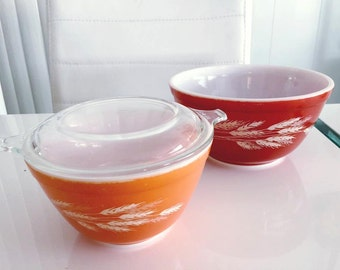 Vintage Pyrex -- Set of Two Nesting Bowls in Orange and Burnt Orange Wheat Pattern