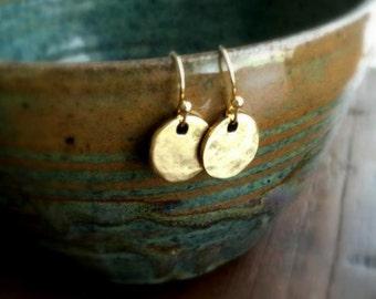 Hammered Circle Earrings, Mini Disc Earrings, Dangle Earring, Vintage Style Earrings, Drop Earrings