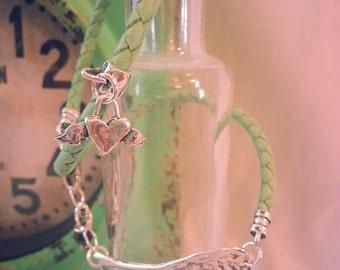 STERLING Sterling Silver AnGel WinGs LeAtheR Braclet, Boho, Lagenlook, Wrap Bracelet, Green wRap BraCeLet