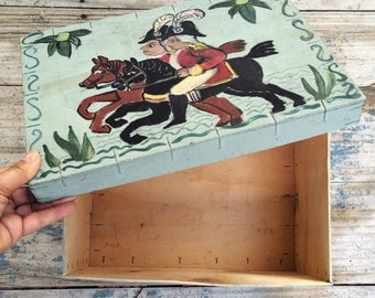 Vintage wood box hand painted Colonial scene soldiers on horse, primitive pantry box, bentwood box with lid, storage box, farmhouse decor