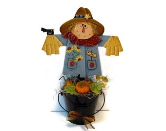Primitive Scarecrow in Black Pail Shelf Sitter, Handpainted Wood Fall Centerpiece, Hand Painted Autumn Home Decor, Tole Decorative Painting