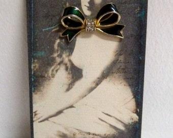 Vintage 1960's Enameled Green Ribbon & Rhinestone Bow, Gold Tone Brooch Pin, Handmade Victorian Nymph Pin-Up Card Display