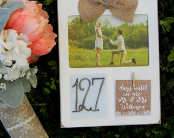 Wedding Countdown Sign Days Until Mr And Mrs Engagement Picture Frame Bridal Shower Gift Wedding Gift Engagement Gift Burlap Picture Frame
