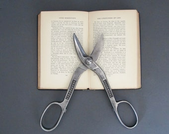 Vintage Tin Snips - Scissor Tool - Antique tools - Vintage Clippers