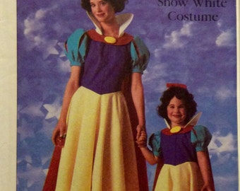 Vintage SNOW WHITE Adults' Costume Sewing Pattern Size Small 10-12 UNCUT 1986 Walt Disney