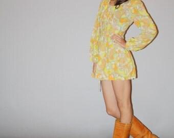 1960s Mod  Yellow  Babydoll Paisley Print Mini Dress - 60s Pink Dress - Vintage Yellow Mod Babydoll Short Dress - WD0895