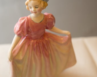 Royal Doulton Sweeting HN-1938 1940-1973 Pink Dress and Dancing or bowing L. Harradine