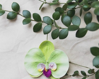 orchid flower hair clip - light green // bridesmaid hair accessory, flower bobby pins, rustic flowers, wedding bobbies