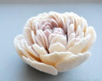 Large Felt Peony Brooch • Felt Flower Brooch • Bright Cream Dusty Pink Felted Peony Flower • Pin Brooch  • Large Corsage • Romantic Flower