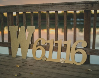 Save The Date Sign for Engagement Wedding Photo Prop - Large Date Sign in Custom Colors or Glitter Wooden Sign Save the Date (Item - STD100)