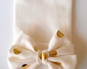 Newborn Beanie, Hospital Beanie, My first bow, Newborn pictures, newborn girl beanie, newborn hat, Creamy white and gold, Jersey Knit